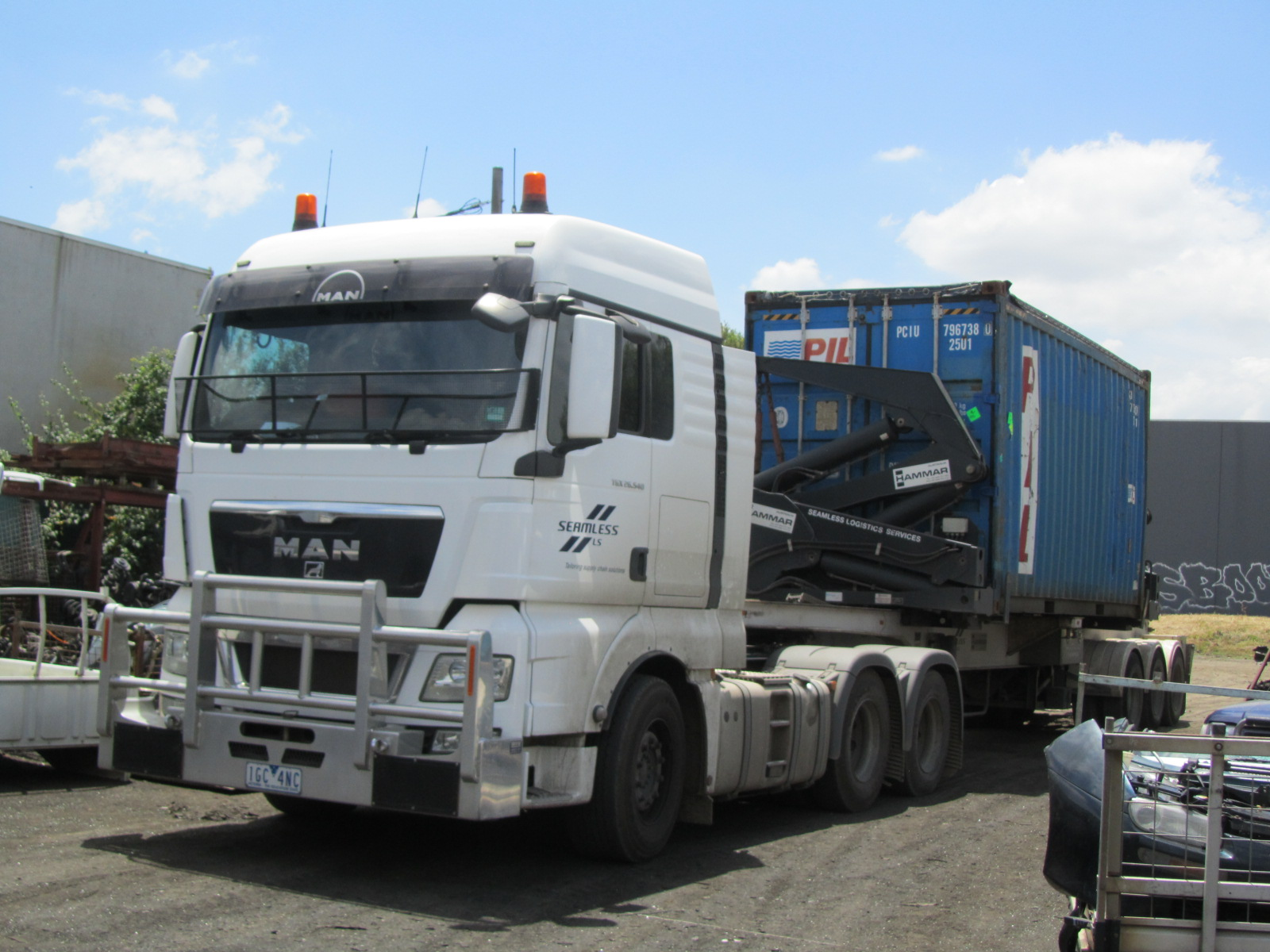 tyorolla-spares-exports-right-img